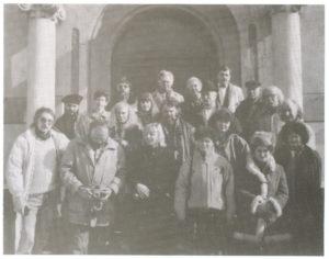 Égerházi Imre az alkotótábor tagjaival Hajdúhadházon